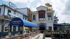 Lombards Seafood Grille - Studios San Fran