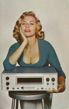 Just a place to post some of the hi-fi information I have collected over the years. Usually retro somtimes vintage sometimes modern but always hi-fi. Propaganda Enganosa, Vintage Photos, Vintage Posters, Vintage Photographs, Pub Vintage, Vintage Modern, Old Advertisements, Advertising, Old Computers