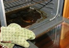 The Best Oven Cleaner? Woman Recommends Rubbing Dishwasher Tablets Into Stubborn Grease Best Oven Cleaner, Natural Oven Cleaner, Homemade Oven Cleaner, Cleaners Homemade, Oven Cleaning, Cleaning Hacks, Guter Rat, Baking Soda Water, Dishwasher Tablets
