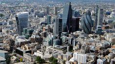 """Roman """"BLEI"""", S. 164:  """"Worin sich dieser mächtige Konzern von anderen abhebt, zeige ich dir, wenn wir die allgemeinen Strukturen der tatsächlichen Macht offengelegt haben. Dazu betrachten wir zunächst die Funktion des einflussreichsten Finanzplatzes der Welt, der City of London."""" Um seiner Feststellung Rechnung zu tragen, schilderte Duke, dass von der City of London aus gut 240 internationale Banken, Investmentfirmen und Broker ihre Geschäfte betrieben, wobei ... Lust auf mehr…"""