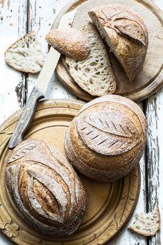 Sauerteigbrot More from my site Vafler/Lefser o. Art Du Pain, Pain Artisanal, Artisan Boulanger, Pain Au Levain, Spoon Bread, Bread Shaping, Bread Art, Easy Bread Recipes, Fermented Foods