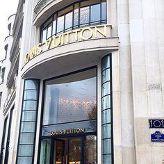 Louis Vuitton Paris! #tb #tbt #paris #france #parisjetaime #louisvuitton #lv #fashion #style #love #traveling #vacation #visiting #instatravel #instago #instagood #trip #holiday #photooftheday #fun #travelling #tourism #tourist #instapassport #instatraveling #mytravelgram #travelgram #travelingram #igtravel by mrs_ker