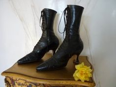 Late Victorian ladies boots 1910-1915