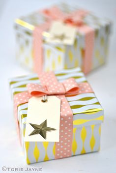 Today I am sharing with you more of my Christmas photos. My wrapped Christmas gifts, which I of course wanted to match my Christmas tree and room decor of sparkling peach and mint. So I wrapped t Christmas Photos, Christmas Gifts, Christmas Ideas, Cute Gifts, Best Gifts, Cute Packaging, Christmas Wrapping, Gift Wrapping, Wrapping Ideas