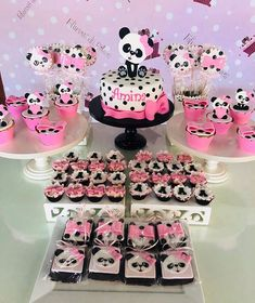 Cumpleaños de la maye Panda Themed Party, Panda Party, Panda Birthday Cake, Bear Birthday, Bolo Panda, Panda Decorations, Panda Baby Showers, Panda Cakes, Pink Panda