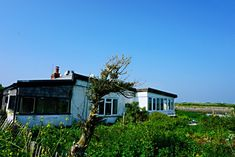 Abandoned house at Rye Harbour - Rye East Sussex Rye Harbour, Medieval Town, East Sussex, Abandoned Houses, Bungalow, Mansions, Film, Street, House Styles