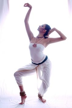 contemporary indian dance    Simplicity - light, white, beauty