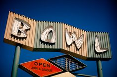Closed South Western Bowl - will someone save the sign at least?