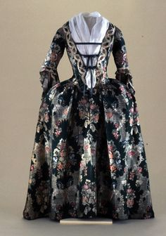 Fripperies and Fobs — Gown ca. 1730-40 From Colonial Williamsburg