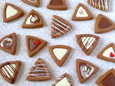 これからもよろしくね♡ そんな気持ちを込めてみんなに渡す小分け出来るバレンタインのスイーツレシピを紹介します。気軽に渡せるってとても大切ですよね。 Kawaii Cookies, Fancy Cookies, Yummy Cookies, Cupcake Cookies, Sugar Cookies, Cookie Gifts, Cookie Desserts, Food Gifts, Cookie Recipes
