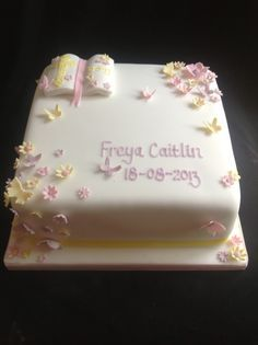 square christening cakes - Google Search Christening Cake Girls, Christening Cookies, Baby Baptism, Baby Dedication Cake, Confirmation Cakes, Ballerina Cakes, Communion Cakes, Square Cakes, Cake Decorating Techniques