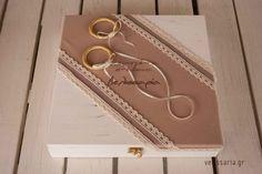Χειροποίητα στέφανα γάμου velissaria.gr Decoupage, Chloe, Shoulder Bag, Personalized Items, Rings, Shoulder Bags, Ring, Jewelry Rings