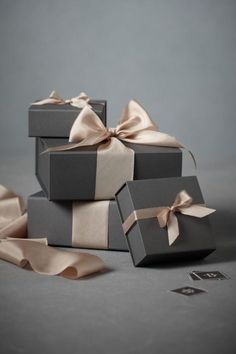 Gift Wrapping & Packaging