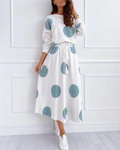 Modesty Fashion, Muslim Fashion, Fashion Dresses, Stylish Dress Designs, Stylish Dresses, Casual Dress Outfits, Modest Outfits, Vintage Dresses, Vintage Outfits