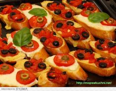 grzanki czosnkowe z mozzarellą oraz salami Składniki:… na Stylowi.pl Mozzarella, Vegetable Pizza, Cheesecake, Food And Drink, Appetizers, Vegetables, Impreza, Recipes, Cheesecakes