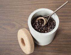 The vessel is made of concrete and cork, two materials that are naturally impermeable, allowing your coffee to be stored in an environment that prohibits moisture, air, and light from interacting with the grounds.