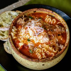 Lasagna Soup with cheesy yum from afarmgirlsdabbles. - This Lasagna Soup is truly like lasagna in a bowl. It's packed with the familiar flavors of lasagna, with an ooey gooey cheesy concoction that Crockpot Recipes, New Recipes, Cooking Recipes, Favorite Recipes, Recipies, Hearty Soup Recipes, Easy Recipes, Family Recipes, Amazing Recipes