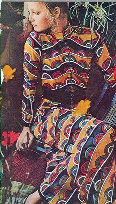 Biba style in1970s. Costumes romantic bohemian style!