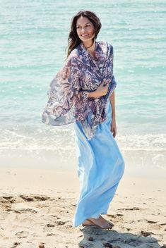 Lasessor Collection on Lasessorin premium-tuotteiden ajankohtainen verkkokauppa. Kimono Top, Sari, Collection, Tops, Women, Fashion, Saree, Moda, Fashion Styles