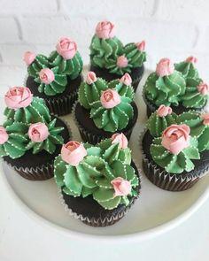 Kaktus Cupcakes, Succulent Cupcakes, Halloween Desserts, Christmas Desserts, Köstliche Desserts, Delicious Desserts, Chocolate Nutella, Cactus Cake, Cactus Cactus