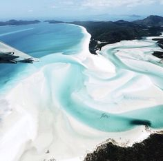 25 Breathtaking Beaches you must see before you die - Whitehaven Beach Pool Piscina, Beautiful World, Beautiful Places, Beautiful Islands, Beach Vibes, Ocean Day, Oceans Of The World, Monuments, Strand