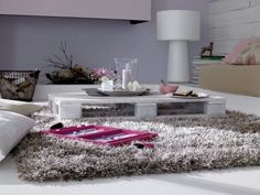 Love the shaggy rug !