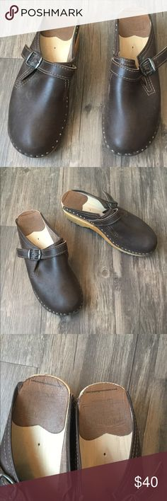 Donatello Swedish leather Clogs with buckle Worn once Shoes Mules & Clogs