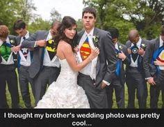Superhero wedding: I want this to be my wedding photo! Wedding Pics, Wedding Bells, Wedding Engagement, Our Wedding, Dream Wedding, Geek Wedding, Wedding Groom, Trendy Wedding, Private Wedding
