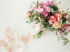 I love the loose natural feel of this bouquet