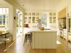 Beautiful sunny kitchen - Traditional Home magazine