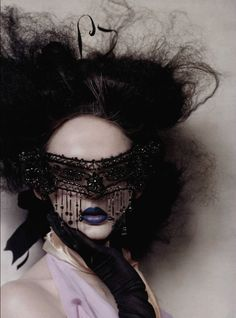Lisa Cant by Irving Penn in Christian Lacroix Haute Couture