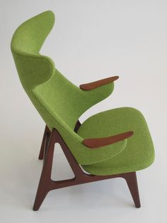 Mid-Century Modern Freak — 1950 Danish Ox High-Back Chair Mid Century Armchair, Mid Century Furniture, European Furniture, Vintage Furniture, Chair Design, Furniture Design, Shelving Design, High Back Chairs, Mid Century House