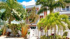VRBO.com #751758 - Perfect Location-Steps to Beach, Restaurants & Shops 5BR/5.5 Bath Heated Pool