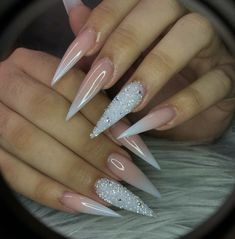 20 Pretty Nail Art Designs That Will Take Your Breath Away Stiletto Nails Glitter, Bling Acrylic Nails, Pointy Nails, Aycrlic Nails, Glam Nails, Best Acrylic Nails, Fancy Nails, Bling Nails, Beauty Nails