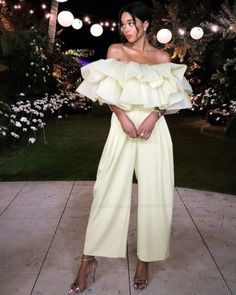 Laura Harrier wearing Marc Jacobs Spring 19 at Art Basel Miami Look Fashion, Fashion Show, Girl Fashion, Fashion Dresses, Womens Fashion, Fashion Design, Latest Fashion, Fashion Trends, Classy Outfits