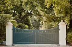 Bay Area Shingle Style, Fair Oaks, California : Jeannie O Connor … Driveway Design, Driveway Landscaping, Fence Design, Timber Gates, Wooden Gates, Farm Gate, Fence Gate, Fencing, Front Gates