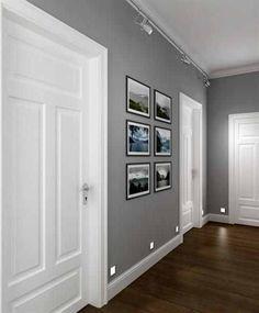 perfect corridor, grey walls, white doors, dark wooden floor - Futura Home Decorating Room Colors, House Colors, Hall Paint Colors, Grey Interior Paint, Gray Paint, Greige Paint, Grey Interior Design, Home Interior Colors, White Interior Doors