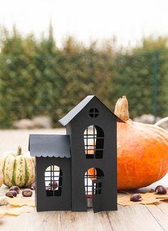 DIY maison halloween Diy Halloween, Halloween House, Paper Toy, Outdoor Decor, Home Decor, Celebration, Alice, Scrap, Printables