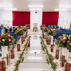 #noivas #noivasliriosdagua #casamento #festas #madrinhas #padrinhos #passarelasespelhadas #tapeteespelhado #liriosdagua #buquê