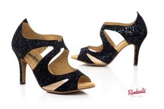 Aisha by Rumbanita dance shoes. The stiletto heel is perfect for kizomba. See our romantic, feminine and vintage inspired collection in www.rumbanita.com. Designed and produced in Portugal