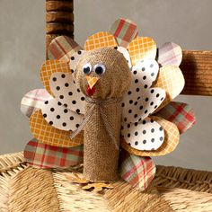 Get rustic this fall with the Burlap Toilet Roll Turkey and some other amazing Thanksgiving crafts for kids!