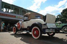 napier new zealand art deco Napier New Zealand, New Zealand Art, Heroes Book, Nz Art, Art Deco Buildings, Time Art, Wonderful Places, Antique Cars, Architecture