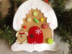 Gingerbread house Christmas tree decoration- felt Xmas ornament with snowflakes and candy, red door with green backdoor: holiday gift