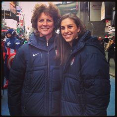 Carli Lloyd with Michelle Akers Michelle Akers, Carli Lloyd, Football Is Life, Great Women, Soccer Players, Role Models, Winter Jackets, Game, Usa