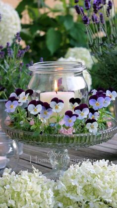 """Hottest Images Pansies arrangement Ideas Pansies are definitely the colorful flowers with """"faces."""" A cool-weather favorite, pansies are b Spring Flower Arrangements, Beautiful Flower Arrangements, Spring Flowers, Floral Arrangements, Beautiful Flowers, Beautiful Pictures, Elegant Flowers, Deco Champetre, Deco Floral"""