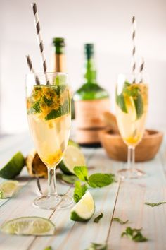Mojito Royal au Champagne & Fruit de la Passion - Expolore the best and the special ideas about Cocktails Champagne Cocktail, Cocktail Drinks, Cocktail Recipes, Champagne Recipe, Fruit Champagne, Signature Cocktail, Sweet Cocktails, Party Drinks, Fun Drinks