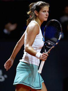 Steffi Graf, Tennis Serve, Tennis Players Female, Vintage Tennis, White Bralette, Sport Tennis, Tennis Stars, Sporty Girls, Maria Sharapova