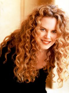 Nicole Kidman, 1980's look.