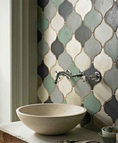 Amazing Small Master Bathroom Tile Makeover Design Ideas - Our new house - Bathroom Decor Funky Bathroom, Small Bathroom Tiles, Bathroom Tile Designs, Bathroom Wall Decor, Modern Bathroom Design, Bathroom Interior Design, Bathroom Flooring, Bathroom Ideas, Bathroom Storage