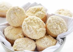 Filled with a cream cheese swirl and topped with a butter crumb topping, these Cream Cheese Muffins will become a classic recipe on repeat! Cream Cheese Coffee Cake, Cream Cheese Muffins, Lemon Muffins, Pumpkin Cream Cheeses, Cream Cheese Bread, Cheese Pumpkin, Pumpkin Bread, Baker Recipes, Muffin Recipes